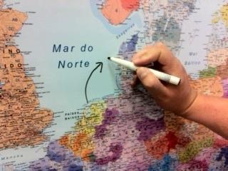 Pintar sobre mapa plastificado